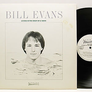 レコード画像:BILL EVANS / Living In The Crest Of A Wave