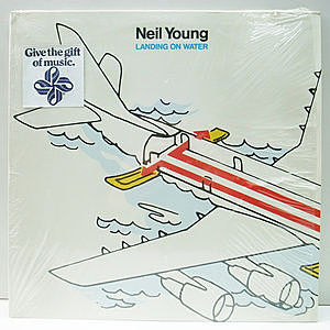 レコード画像:NEIL YOUNG / Landing On Water